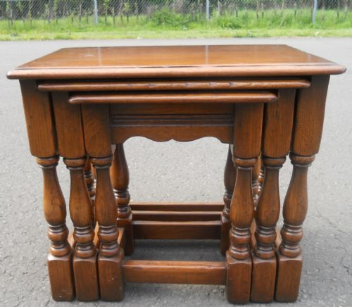 Reproduction Solid Oak Nest of Three Coffee Tables